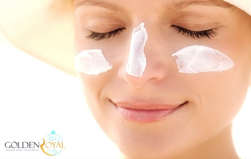 جهت از بین بردن چین و چروک صورت ، هر روز از کرم ضد آفتاب استفاده کنید
